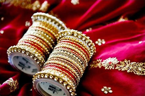 15 Indian Wedding Bangles Designs for Bride   Styles At Life