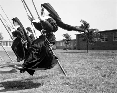 Nuns Nuns Nuns! Here Are 25 Vintage Pictures of Nuns