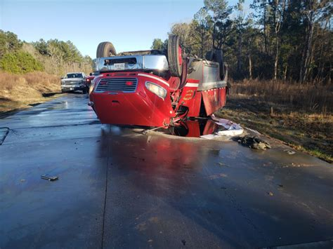 Texas Firefighters Injured in Rollover   Fire Apparatus