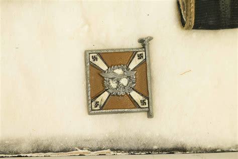 German 3rd Reich Medals, Luftwaffe badges, Pins, and cloth