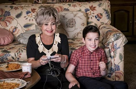 How to watch Young Sheldon Season 2, Episode 8 live online