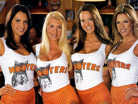 Why I let my kids eat at Hooters - TODAY