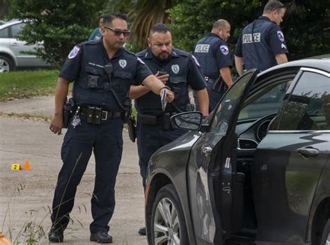 Police investigate shooting in Texas City   Police News