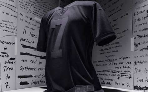 Nike's New Kaepernick 'Icon Jersey' Sells Out in Under 1